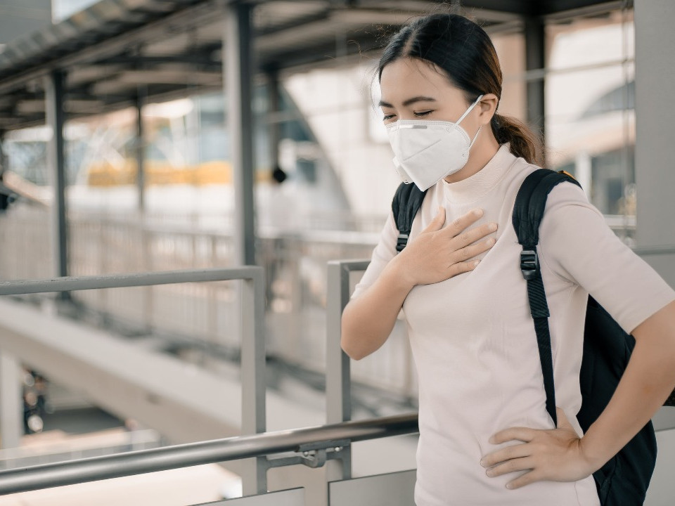 新冠肺炎秋冬專案 11月9日起,入境症狀2採陰才能返家檢疫