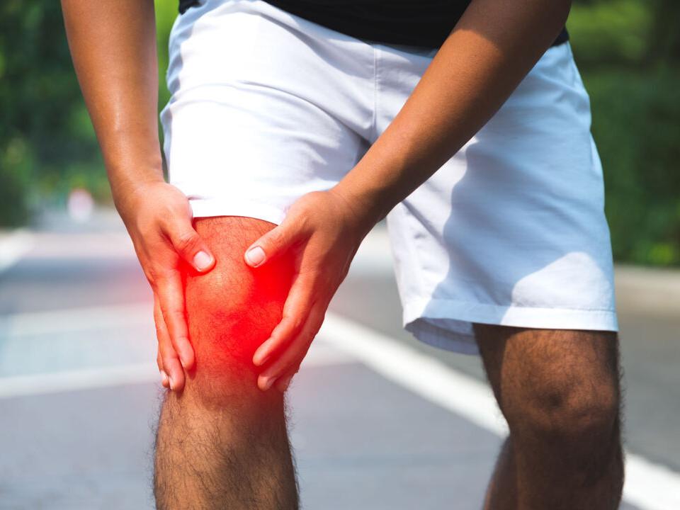 痛爆!關節炎注射類固醇竟然有副作用?該怎麼緩解才好?