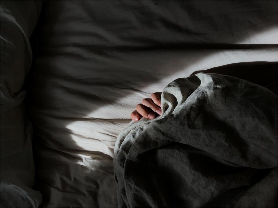 打呼、頭痛、睡不飽?睡眠呼吸中止症10大症狀,嚴重恐中風