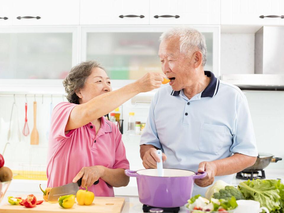 如何避免長輩營養不良?你該知道的老人飲食五大原則!